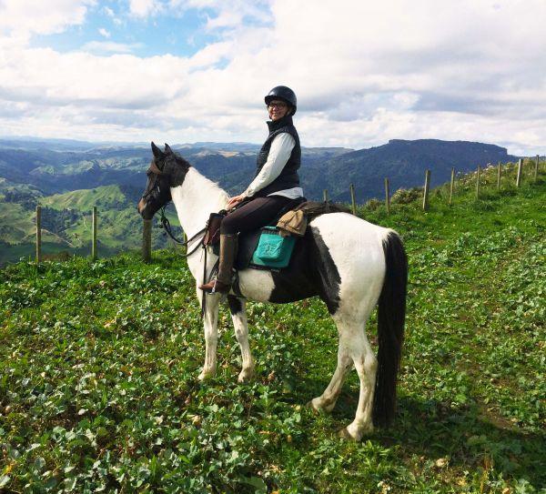Melanie McGrath horse image